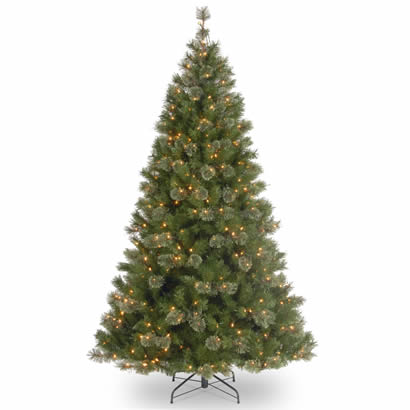 7 1/2 Ft. Atlanta Spruce Hinged Christmas Tree with 550 Clear Lights