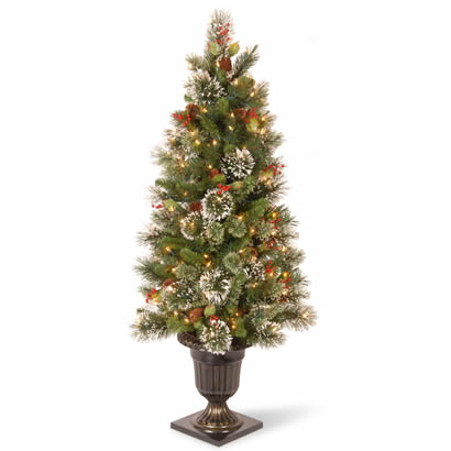 4 Ft. Pine Entrance Christmas Tree w/ Snowflakes & 50 Clear Lights