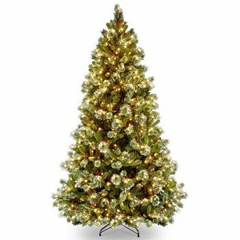 7 1/2 Ft. Wintry Pine Medium Christmas Tree with 650 Clear Lights
